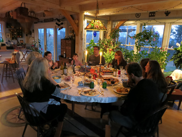 Holiday table w:family